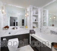 White marble bathroom in  Stonell Bianco Floe marble